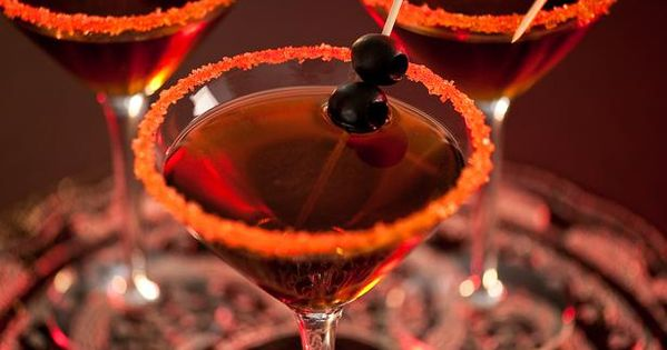 Halloween Drinks: Black Devil Martini. Halloween party cocktails