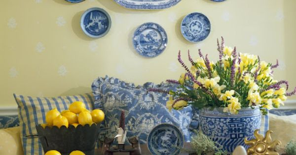 breakfast room will have yellow walls, dutch blue and white accents