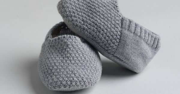 Luxurious Organic Infant and Baby Clothing: accessories : Seed Stitched Newborn Slippers