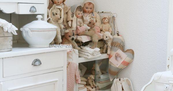 Hoekje met zelfgemaakte poppen en kn foto reportage van ons huis voor het tijdschrift shabby - Tijdschrift chic huis ...