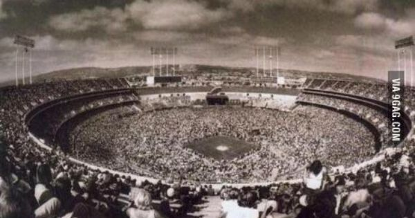 Led Zeppelin Concert At Oakland Coliseum 1977 Led Zeppelin Concert Oakland Coliseum Led Zeppelin
