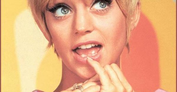 Before she was a big old movie star, Goldie Hawn was hamming