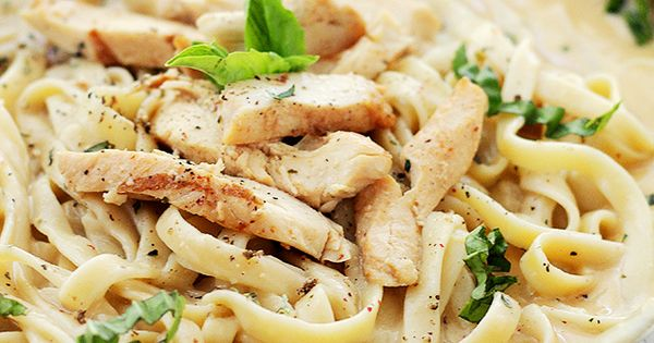 I MUST TRY THIS... Skinny Chicken Fettuccine Alfredo by Diethood Skinny Chicken