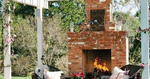 patio garten ideen pergola rustikal ziegel kamin rattanmöbel Garden ...