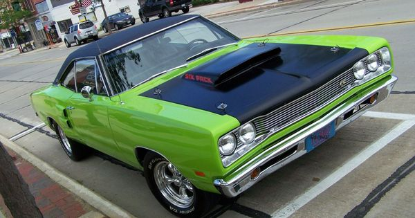 Hq photos of classic muscle cars 22 hq photos muscle for Classic motor cars of ellington