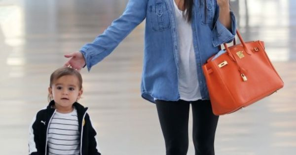 Love this travel outfit.. & mason is a cutie!