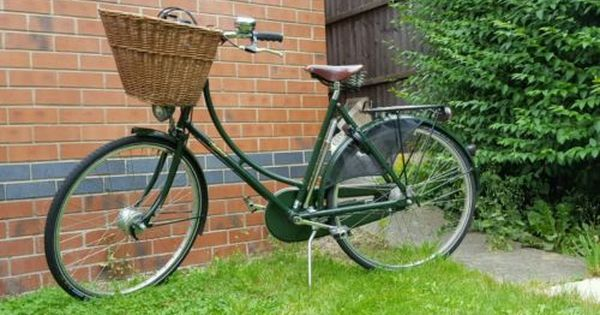 Used But Good Condition Women S Princess Sovereign Pashley Bike Regency Green Bikes Cycling Pashley Bike Green Bike Bike