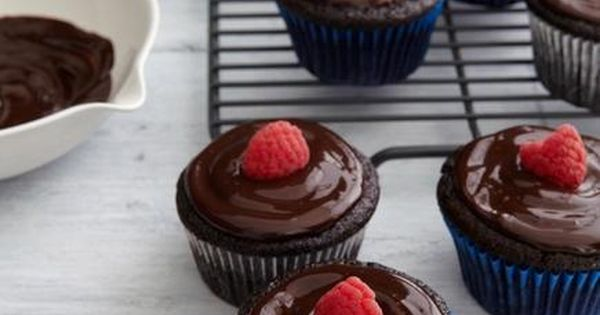 Chocolate and Valentines Day are in a long-established romance. This February 14, why not enjoy one of the chocolate recipes that seduced our Pinterest readers