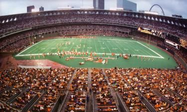 St Louis Cardinals Pictures 1960 1987 My Memories Of Busch Stadium On Game Day Nfl Football Stadium Cardinals Football Nfl Stadiums