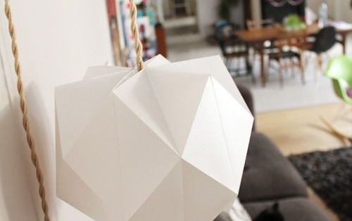diy papier un abat jour en forme de fleur t te d 39 ange lampes en papier origami et lampions. Black Bedroom Furniture Sets. Home Design Ideas