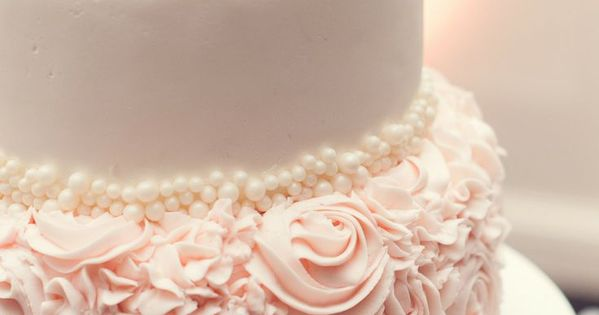 Love having one layer of roses - Glamorous Blush Wedding Ideas to