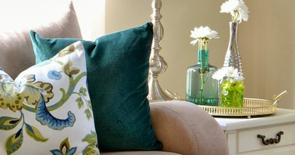 How to make your own pillows using only fabric glue! A great (and affordable!) no-sew ...