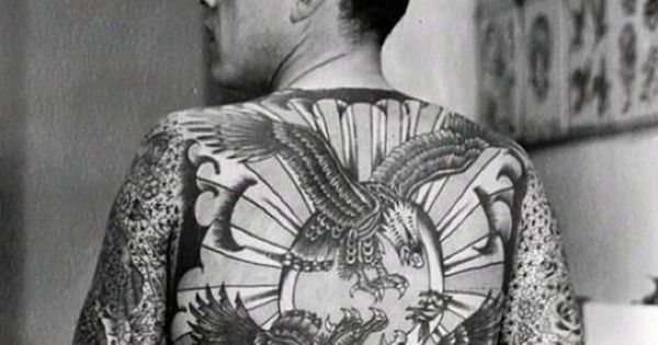 lyle tuttle 39 s back piece done by legendary tattoo artist bert grimm in 1957 58 tattoohistory. Black Bedroom Furniture Sets. Home Design Ideas