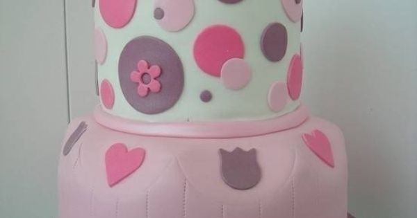 Great polka dot hello kitty cake