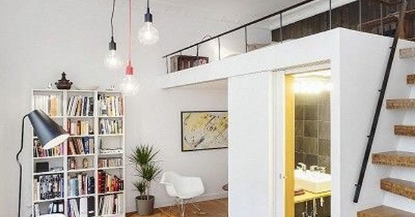 Tiny apartment with loft and small bathroom ideas for small apartments pinterest zolder - Ruimtebesparende mezzanine ...