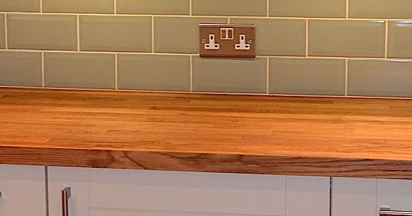 how to gloss kitchen cabinets solid oak worktops combined with the brick effect tiles 7255