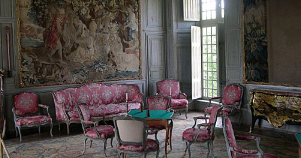 Versailles To Victoria Chateau Of The Day Chateau De Talcy French Furniture Chateaux Interiors Decor