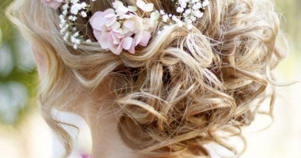 ondul s boucl s coiffure chignons mariage avec la fleur de. Black Bedroom Furniture Sets. Home Design Ideas