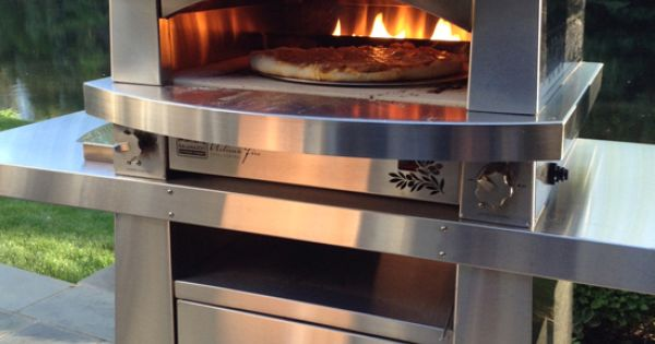 Make pizza outside in your yard kalamazoo outdoor gourmet for Kitchen 600 kalamazoo