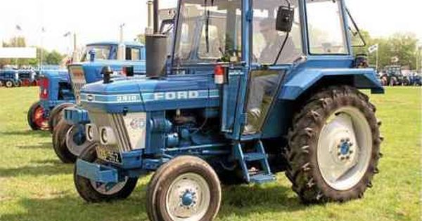 The Little 3910 Was A New Model Introduced In 1983 And Is Shown Here With The Sekura Built Lp Cab Tractors Vintage Tractors Tractor Pictures