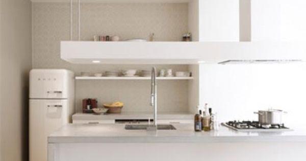 Mooie taupe muur bij witte keuken kitchen pinterest taupe foto 39 s en witte keukens - Muur wit en taupe ...
