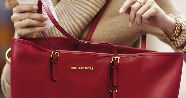 This would be my next bag,comfy and casual! MK handbags outlet online
