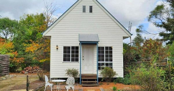 Briar Rose Cottages Features Three Idillic Cottages In Stanthorpe Qld In The Granite Belt Region The Cottages Are Loca In 2020 Cottage Open Space Living Funky Decor