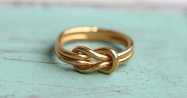 Sailor Knot Ring. Want this in white gold.