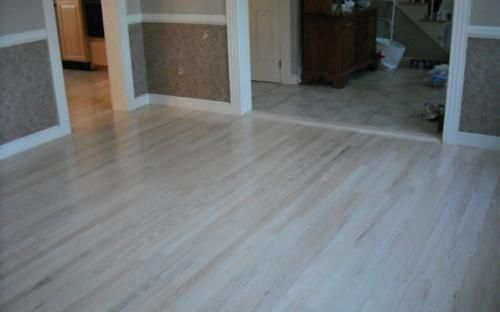 Red Oak Bleached White Stain 6 Coats Of Water Base Finish Flooring Red Oak White Oak Flooring Bedroom