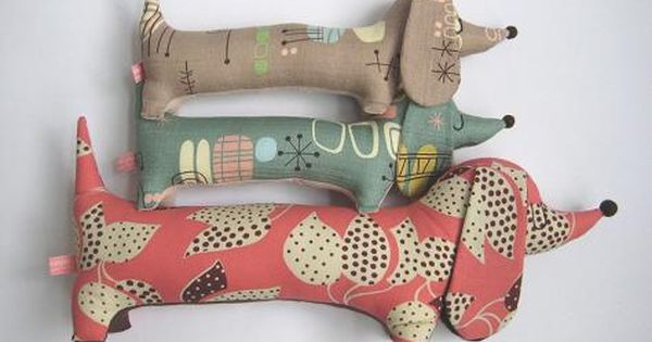 Super duper cute sausage dog toys! The patterns on the fabrics used
