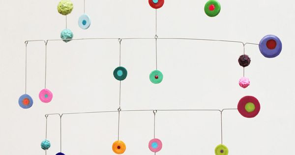 colorful discs mobile art brindevero kids crafts pinterest draht mobiles und windspiele. Black Bedroom Furniture Sets. Home Design Ideas