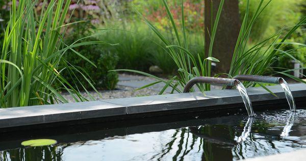 Rodenburg tuinen achtertuin met hoogteverschil inclusief een decoratief element in de vorm van - Tuin grind decoratief ...