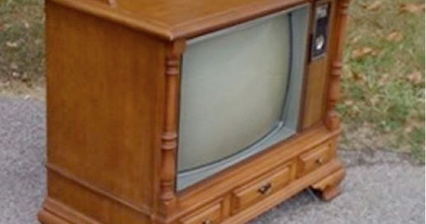 Round Up: 5 Fantastic TV Makeovers. Turn an old console TV into