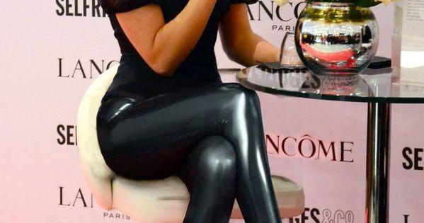 I love emma watson.. i love leather leggings.. i love emma watson