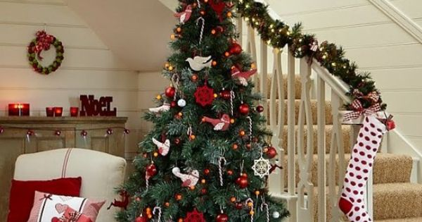 Red And White Christmas Decorating Ideas....
