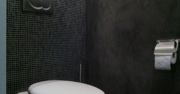 Stuc deco toilet met kleine wandtegels pleisterwerk en vloertegels badkamer pinterest - Deco toilet grijs ...