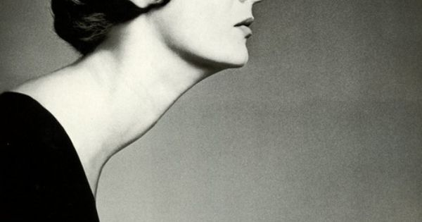 The amazing Marella Agnelli's neck-1959, Photo Avedon
