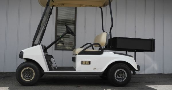 This 2007 Club Car Ds Electric Golf Cart Is Equipped With