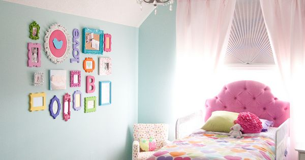 10 Cool Toddler Girl Room Ideas | Kidsomania. Love the colored frames!