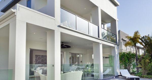 Casas modernas con piscinas estrechas pero largas - Casas estrechas y largas ...