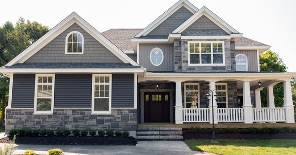 House With Grey Vinyl Siding Google Search Exterior