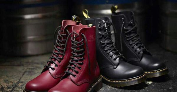 dr martens boots rock military style studds gothic. Black Bedroom Furniture Sets. Home Design Ideas