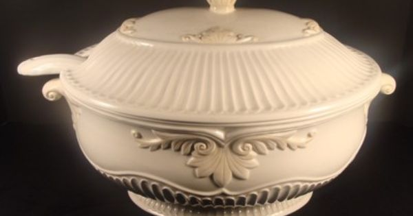 Lenox butler39s pantry oval covered tureen w ladle for Lenox butlers pantry canisters