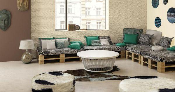 Br zy w salonie oraz meble z palet euro ideas para el for Decoracion en madera para el hogar
