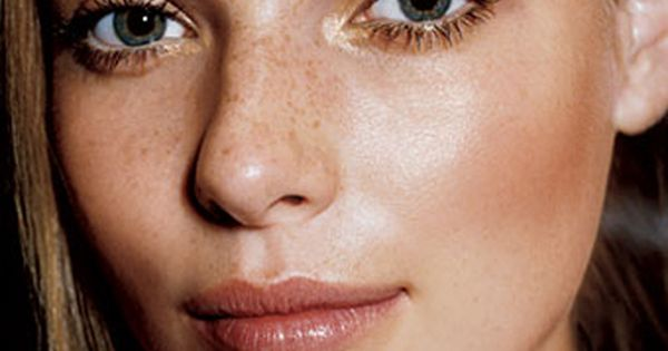 Gorgeous dewy summer skin! Love the pale peach highlighting the cheeks. It