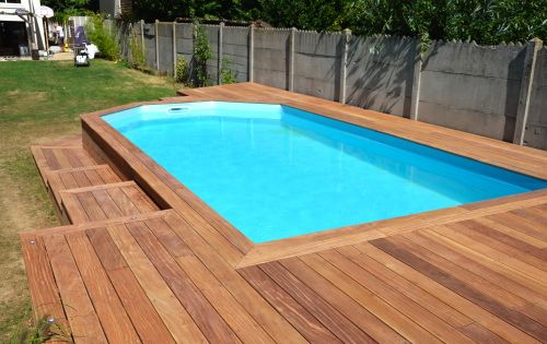 cr er une terrasse en bois autour de ma piscine piscine pinterest terrasses en bois. Black Bedroom Furniture Sets. Home Design Ideas