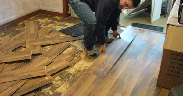 How To Remove Laminate Floor Diy Removing Laminate Flooring Diy Flooring Laminate Flooring Diy