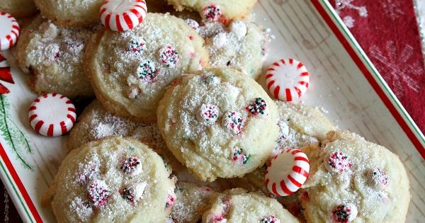 Peppermint, Dreams and Cookies on Pinterest
