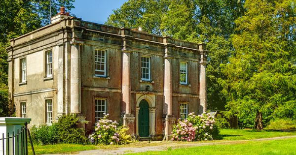 The gatehouse of stansted house in west sussex stansted - Maison de campagne anglaise ...