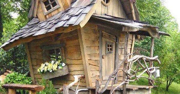 Cabane et fenetre tordu little house pinterest maison for Ma cabane en bois
